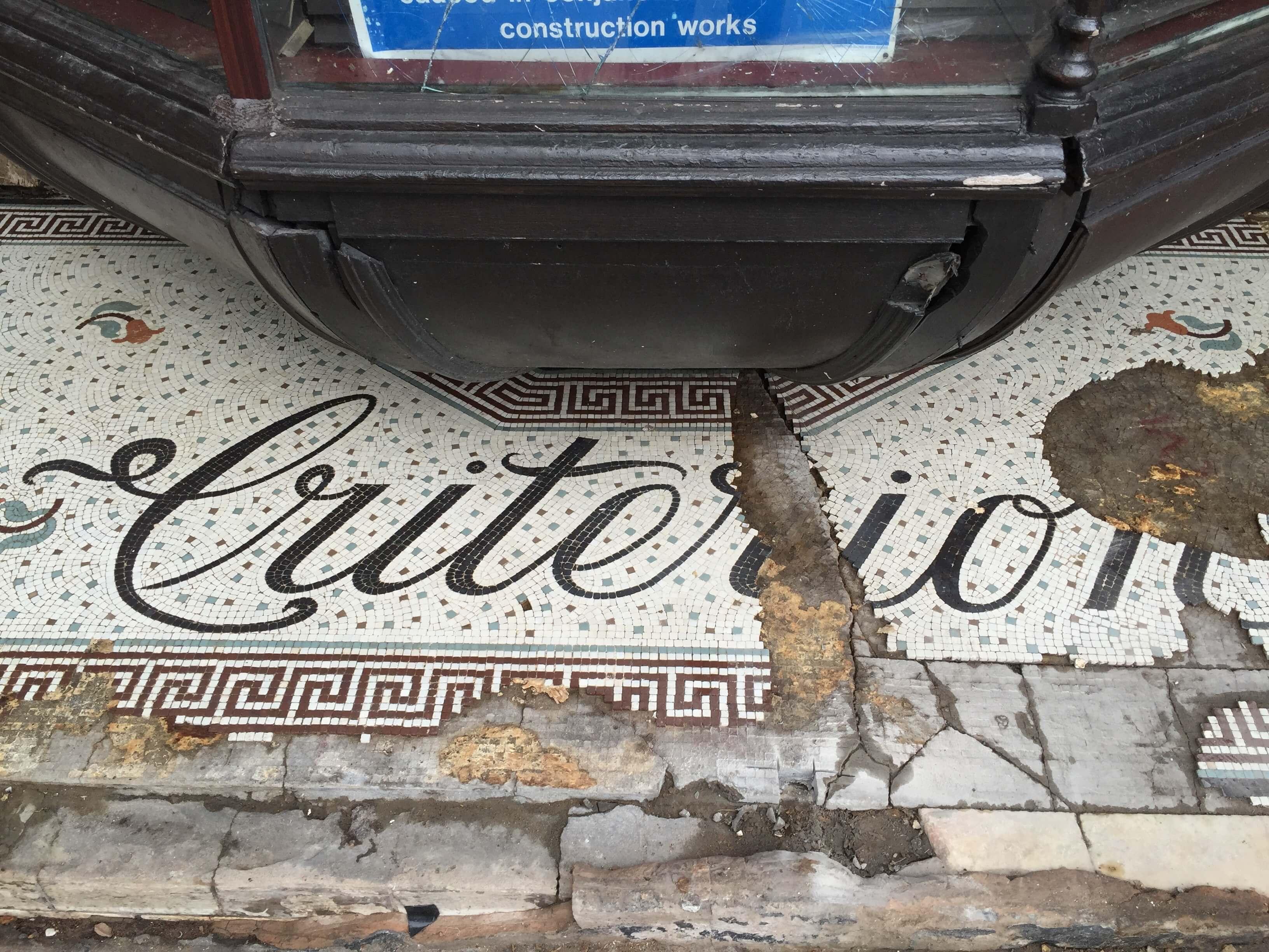 Criterion before Mosaic Restoration
