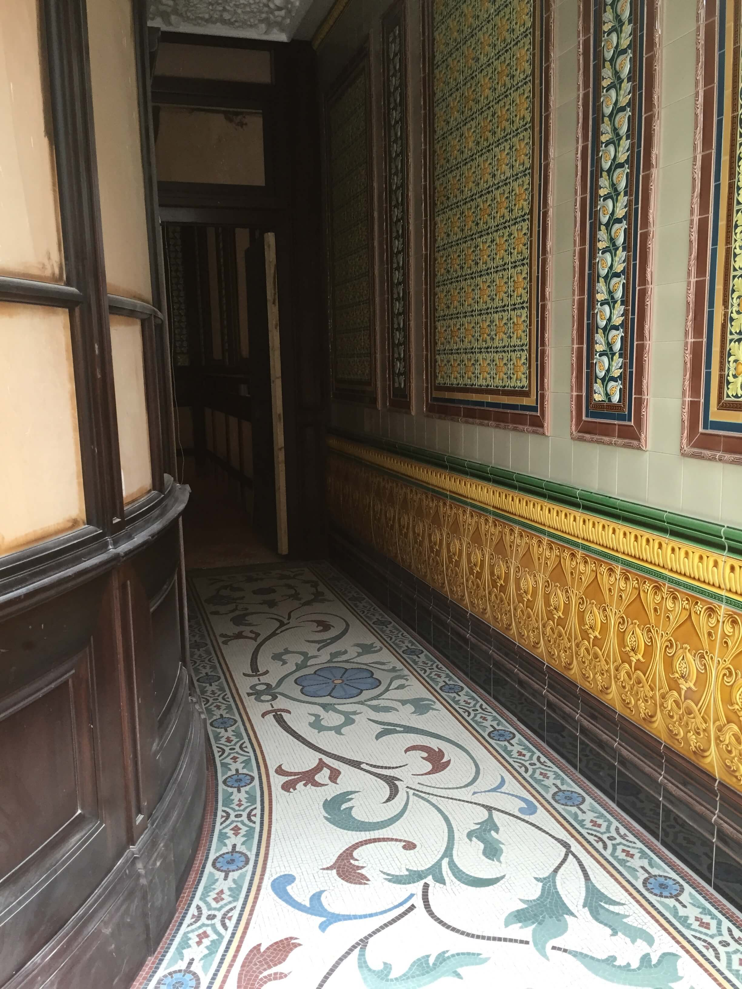Fitzroy Tavern, installation on site - Mosaic Restoration
