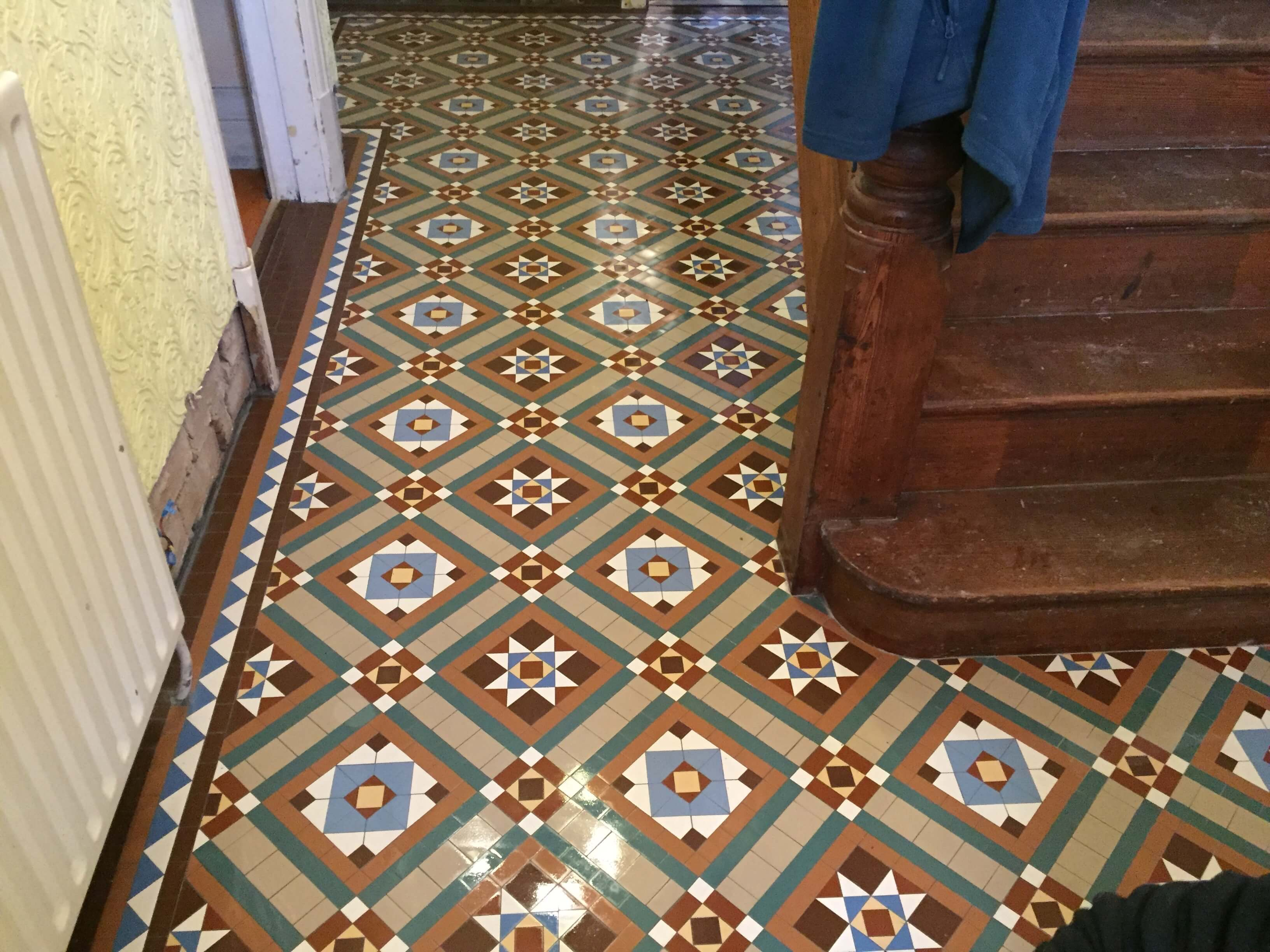 Private house in Leicester, new bespoke geometric tile installation